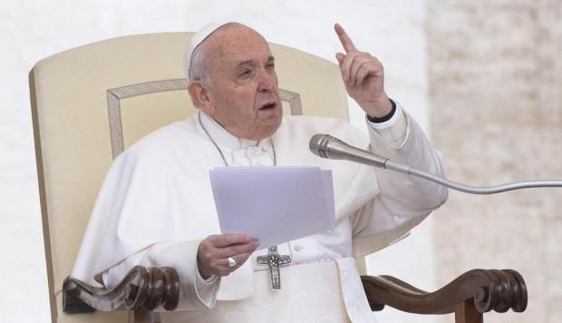 El papa Francisco pide hablar de 'personas migrantes' para abordar el tema con respeto