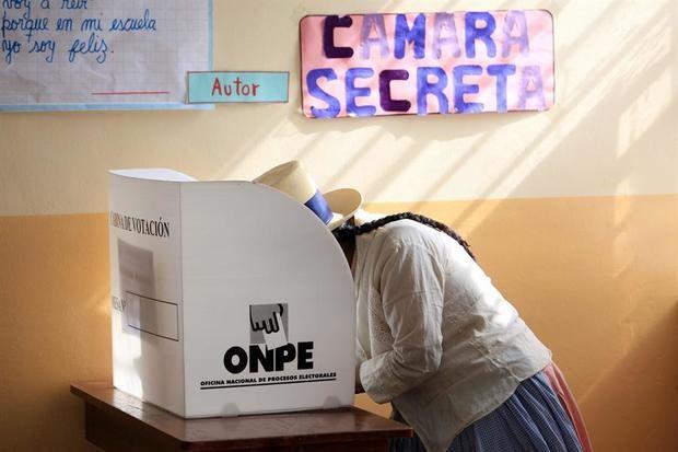 Los comicios han sido convocados para elegir a un presidente, dos vicepresidentes, 130 congresistas y cinco representantes en el Parlamento Andino.