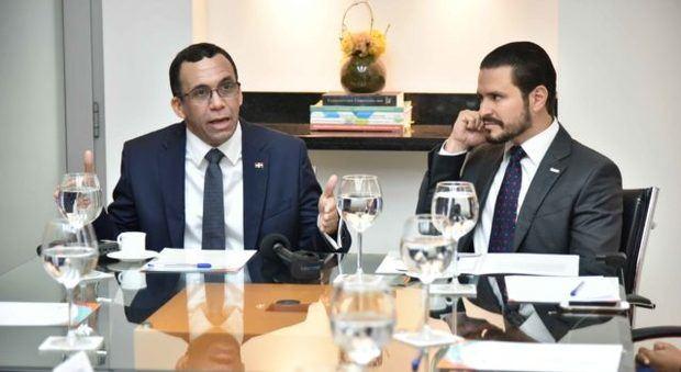 Andrés Navarro propone debate electoral entre candidatos de diversos partidos políticos