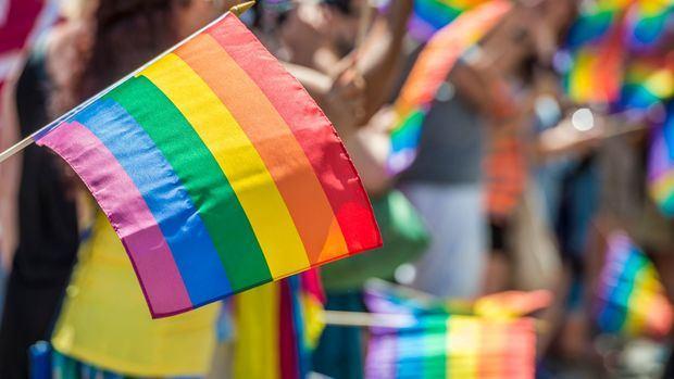 Evangélicos piden a senadores que no cedan a reclamos de feministas y LGTBIQ+.