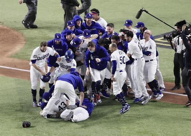 La victoria en seis juegos de los Dodgers de Los Ángeles sobre los Rays de Tampa Bay recibió una calificación televisiva en promedio del 32% por debajo del mínimo anterior de una Serie Mundial.