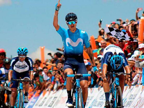 """Ciclista colombiano Winner Anacona exhorta """"levantar la cabeza"""" ante Covid-19."""
