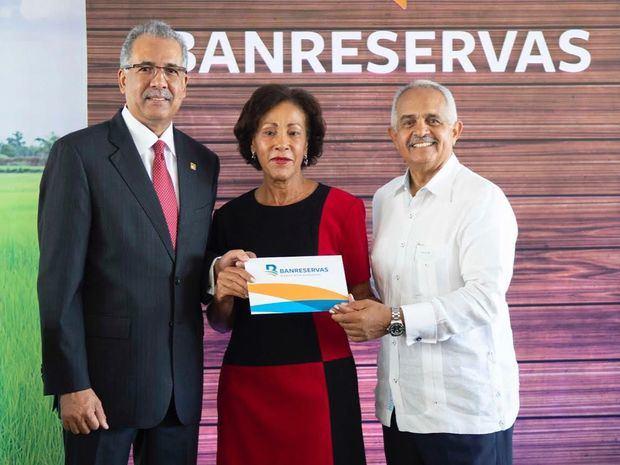 Banreservas dispone RD$6 mil millones para financiar la próxima cosecha de arroz