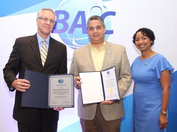 Veintisiete empresas adquieren la certificación BASC, fueron entregadas por ministro consejero embajada USA