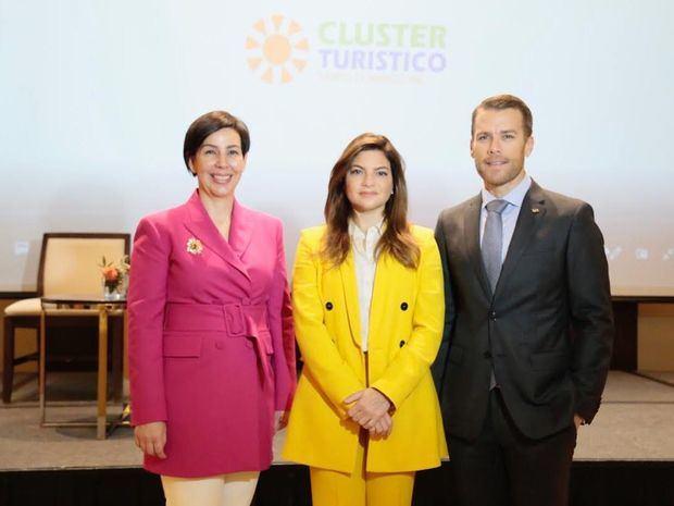 Clúster Turístico de Santo Domingo celebra décimo quinta edición de Líderes formando Líderes