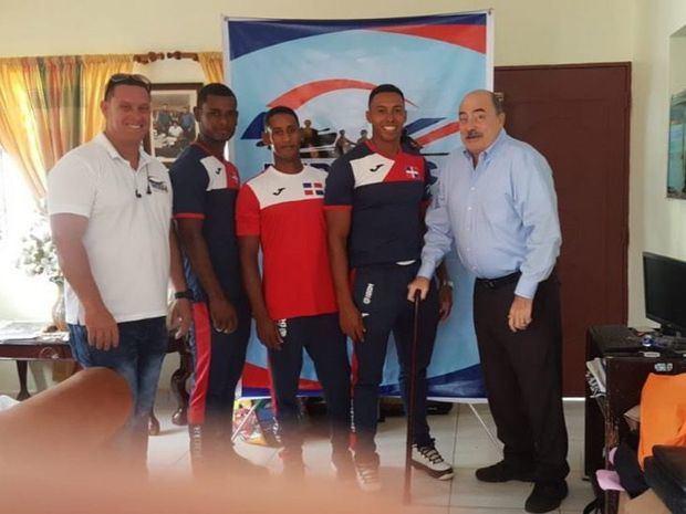 Selección de canotaje dominicana viaja a Colombia en preparación Lima 2019