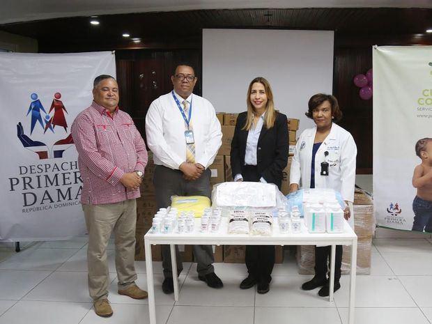 Primera Dama aporta medicamentos al Instituto Dominicano de Cardiología y Hospital Moscoso Puello