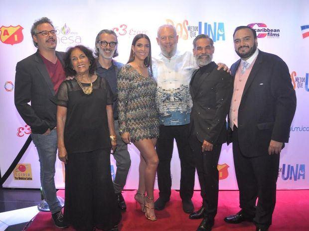 Frank Perozo, Nuilka Mota,  José Enrique Pintor, Dalisa Alegría , Freddy Ginebra; Micky Montilla y Antonio.