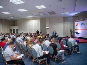 Microempresarios en el taller de Soluciones Scotiabank en Santiago.