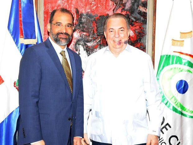 El embajador de República Dominicana ante el Reino de España visita al ministro de Cultura