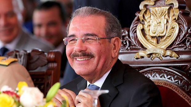 El presidente Danilo Medina felicita a las madres dominicanas.