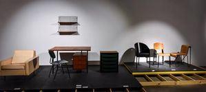 Entre los objetos figuran sillas, mesas, Lámparas o electrodomésticos cedidos por museos como el Centro Pompidou.