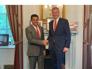 Alcalde de Santo Domingo David Collado y el alcalde de Nueva York Bill De Blasio.