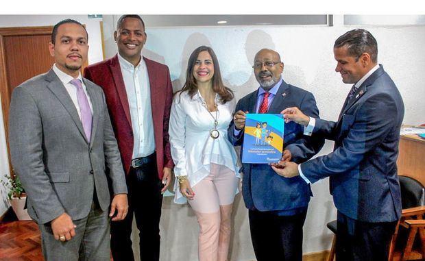 Impartirán talleres de educación financiera a dominicanos residentes en España
