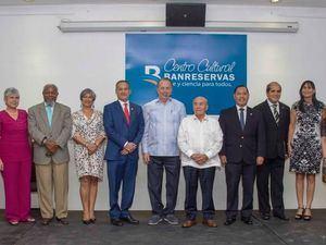 La Embajada de la República de Ecuador inauguró en el Centro Cultural Banreservas una muestra de su cultura que incluye pinturas del maestro Osvaldo Guayasamín, cuatro películas, esculturas, artesanías y otras expresiones artísticas.