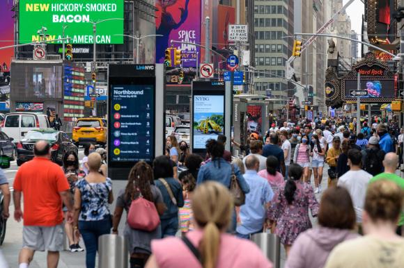 Nueva York no da más treguas a sus empleados: vacuna o despido