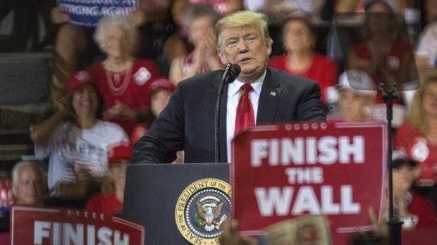 Trump lanza su campaña en un enclave puertorriqueño crítico su gestión tras el huracán María