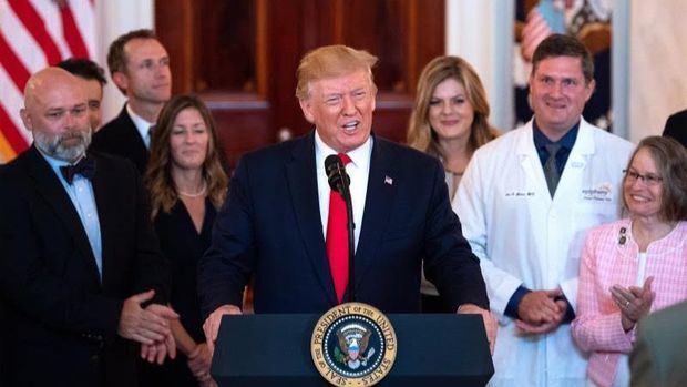 Trump y los demócratas apuntan a los hispanos de Florida.