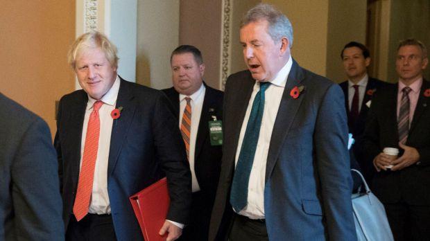 El embajador británico en EE.UU. dimite tras las feroces críticas de Trump.