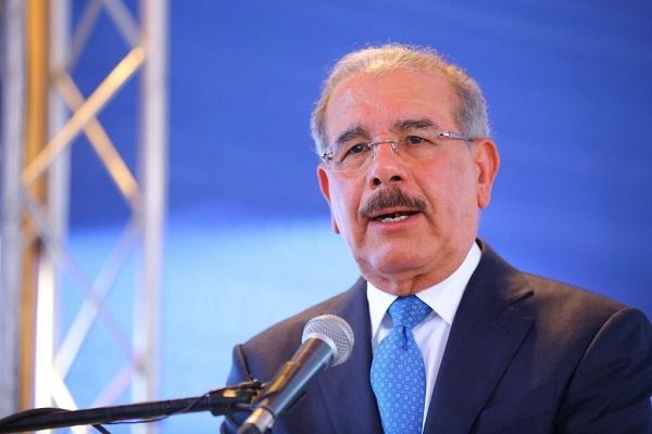 El presidente Medina le dice a Pompeo que no ha decidido si buscará la reelección