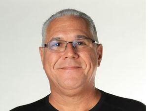 """Vicente Pimienta, autor del libro """"Fundamentos de Marketing en línea. Los enlaces que faltan""""."""