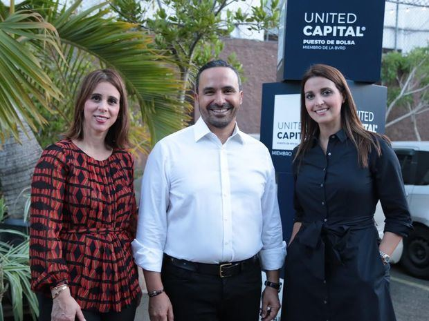"United Capital brinda junto a ""Papá"""