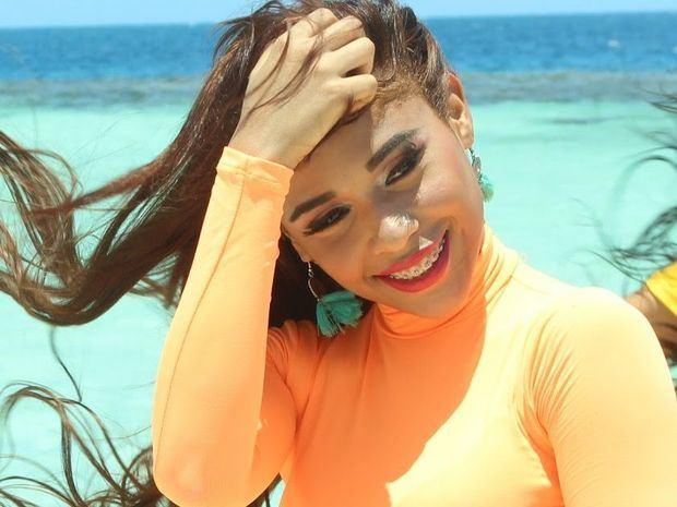 """Steffany Constanza, """"La Peligrosa"""" lanza el video """"Lo Malo"""""""