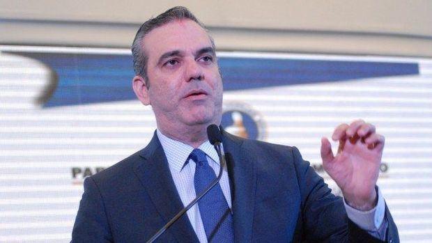 Abinader saluda la decisión de Medina de no buscar una nueva reelección