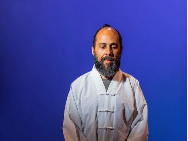 Casa Holos impartirá taller de meditación con Sandino Grullón, especialista en medicina tradicional china