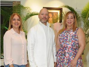 Vicky Jacquez, Juan Carlos Tabares, Adolfina Lluberes.