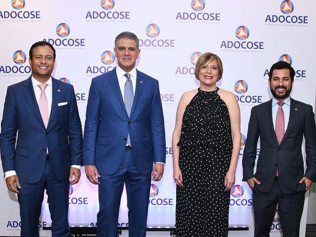 Carlos Flores, Ricardo Rizek, Zaidé Alba y Manuel José Matos.