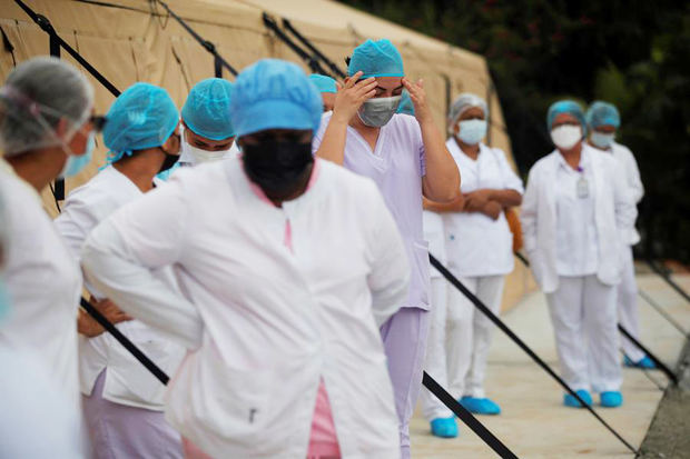 Falta de médicos en Panamá impide abrir nuevas áreas para pacientes de Covid-19