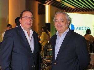 César Veloz y Víctor Bencosme.