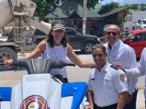 Robin Bernstein, general de brigada piloto Juan Carlos Torres Robiou y el presidente de ASOLESTE, Ernesto Veloz