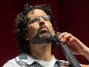 Cellista israelí - estadounidense Amit Peled.