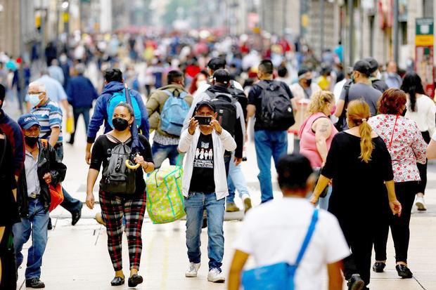 México reporta 825 nuevas muertes y 2.980 nuevos casos de coronavirus