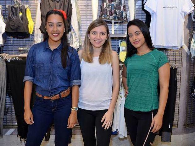 María B. Valdés, Andreina Arroyo y Paola Fumo.