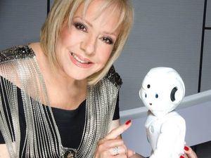 Nancy Álvarez, reconocida sexóloga, psicóloga y estrella de la televisión hispana.