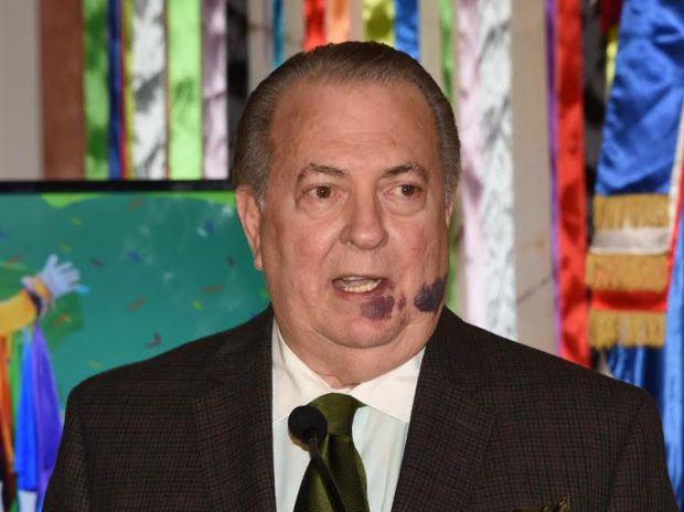 El ministro de Cultura, Eduardo Selman, saluda la promulgación de la Ley de Mecenazgo Cultural
