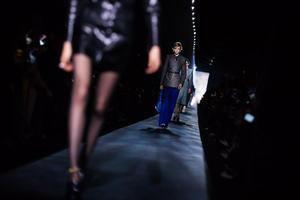 París experimenta con su primera pasarela de moda digital.