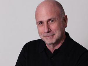 Ken Segall, publicista y creativo de la marca Apple.