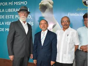 Iván García, Diómedes Núñez Polanco y Luis Roa.
