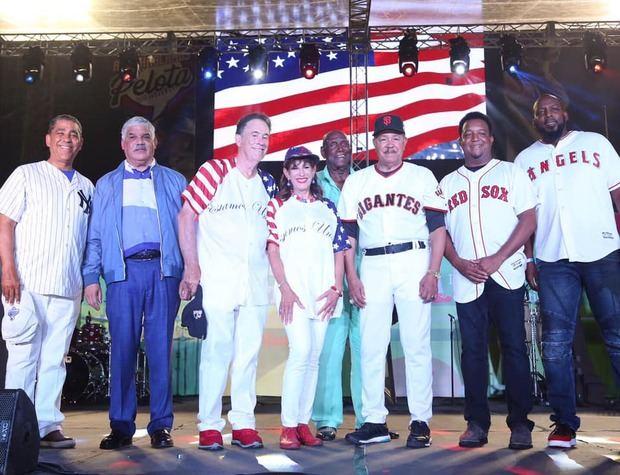 Celebran el 243 Aniversario de la Independencia de los Estados Unidos de América