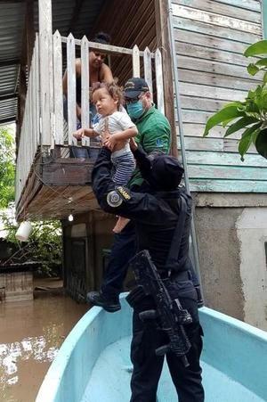 Eta deja 23 muertos y más de 1,6 millones de personas afectadas en Honduras