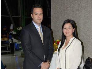 Edgar Tejada y Jacqueline Ho.