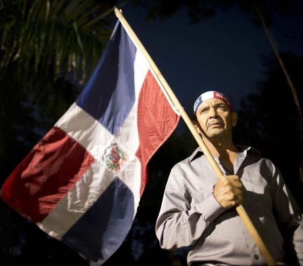Decenas marchan contra presencia haitianos en el país