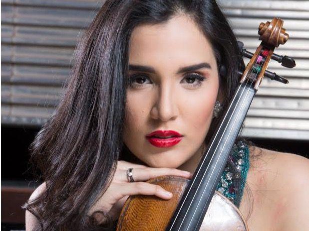 violinista dominicana Aisha Syed Castro.