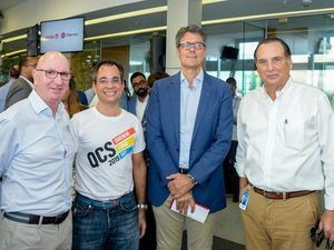 Carmelo Zubiaur, Guillermo Gómez, Cristophe Saladín, y Fernando Villanueva.