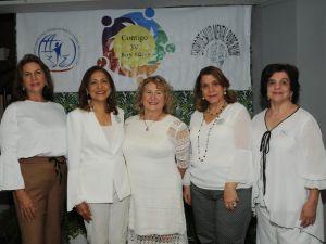 Rosalía Coen, Nancy de Fasel, Rosario Bonarelli de Varela, Elizabeth de la Maza y Carmen de Turbidez.