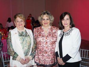 Isabel Izquierdo, Alexandra Izquierdo y Sulita Abinader.
